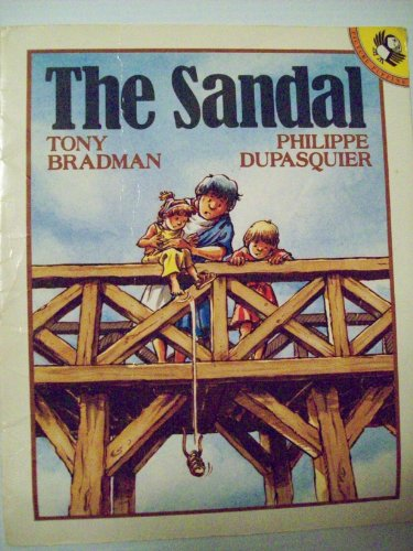 9780140541731: The Sandal (Picture Puffin)