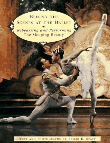 9780140559057: Behind the Scenes at the Ballet: Rehearsing and Performing the Sleeping Beauty