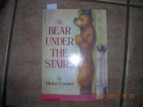 9780140560947: The Bear Under the Stairs