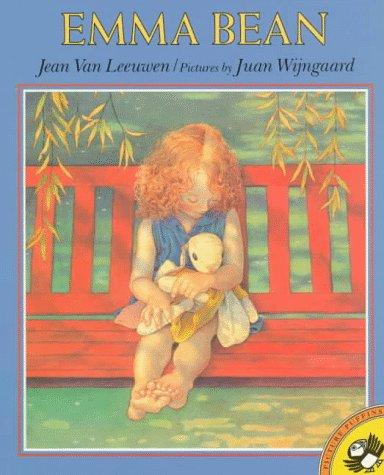 Emma Bean [Pictorial Children's Reader, Little Girl and Her Stuffed Bunny story]: Leeuwen, ...