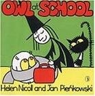 9780140568875: Owl at School (Meg and Mog)