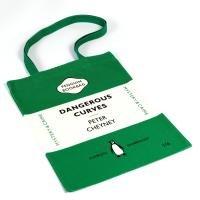 9780140715309: Book Bag - Dangerous Curves/Sweet Danger - Peter Cheyney/Margery Allingham: Penguin Merchandise