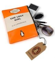 9780140887532: Travel Pouch - The Lost Girl: Penguin Merchandise
