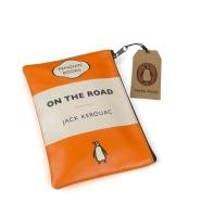 9780140887549: ON THE ROAD TRAVEL POUCH