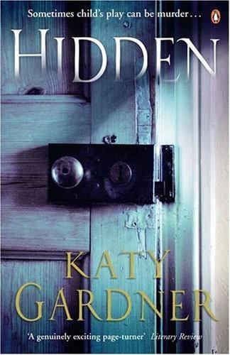 9780141015439: Hidden