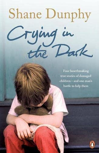9780141031354: Crying in the Dark