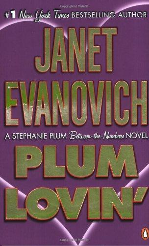 9780141035406: Plum Lovin' (Stephanie Plum: Between the Numbers)