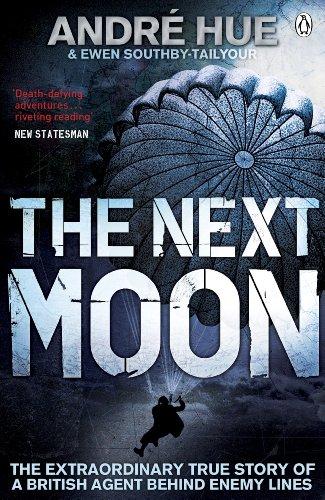 9780141042800: The Next Moon (Penguin World War II Collection)