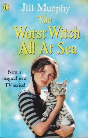 9780141306469: Confident Readers Worst Witch All At Sea Tie In