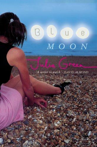 9780141315355: Blue Moon