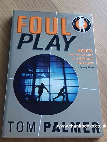 9780141325798: Foul Play (Football Detective)