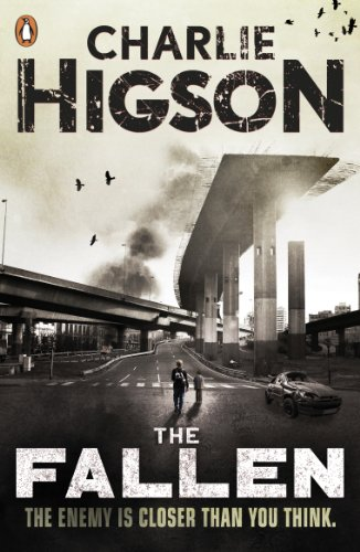 9780141336152: The Fallen (The Enemy Book 5)