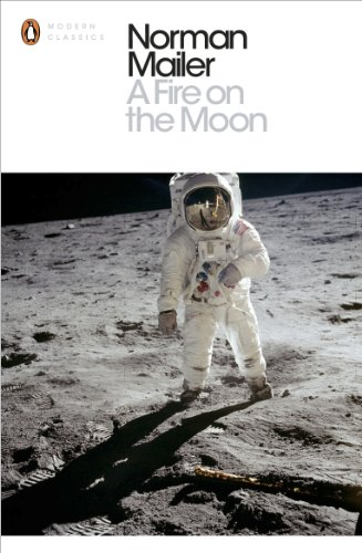 9780141394961: A Fire on the Moon (Penguin Modern Classics)