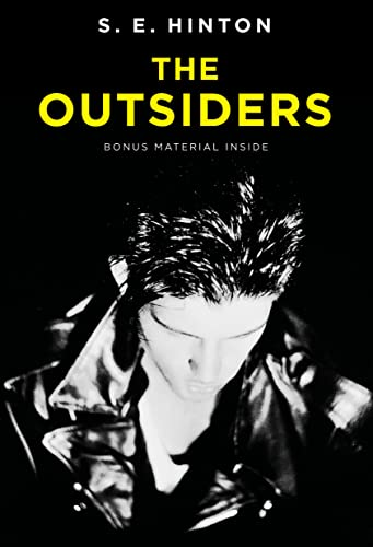 9780142407332: The Outsiders. Platinum Edition