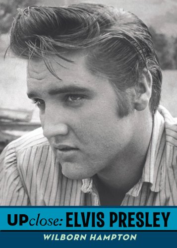 9780142411483: Elvis Presley (Up Close)