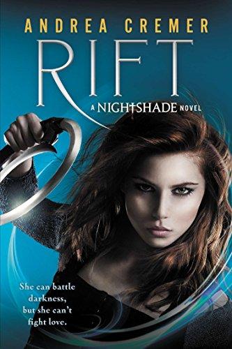 9780142424933: Rift (Nightshade Prequels)
