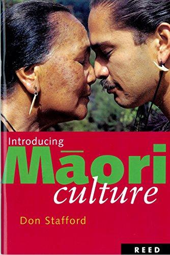 9780143010821: Introducing Maori Culture