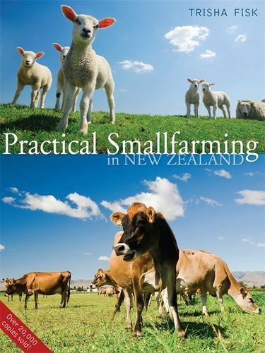 9780143010890: Practical Smallfarming in New Zealand