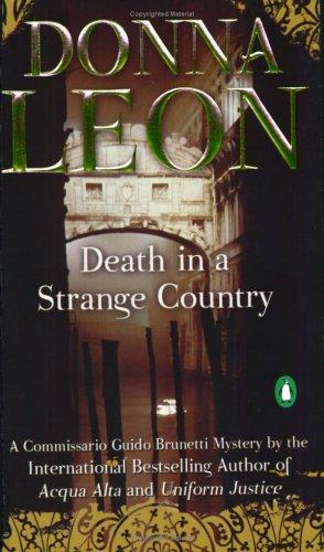 9780143034827: Death in a Strange Country (Guido Brunetti, No. 2)