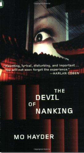 9780143036999: The Devil of Nanking