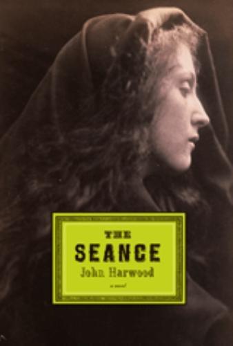 9780151012039: The Seance