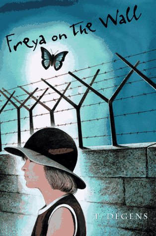 Freya on the Wall: Degens, T.