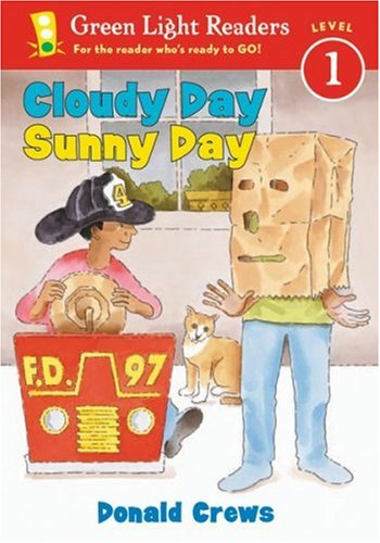 9780152048105: Cloudy Day Sunny Day (Green Light Readers Level 1)