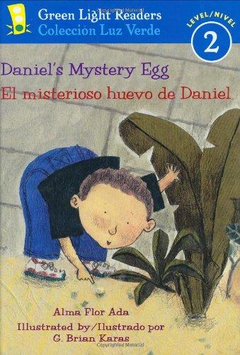 9780152059668: Daniel's Mystery Egg/El misterioso huevo de Daniel (Green Light Readers Level 2)