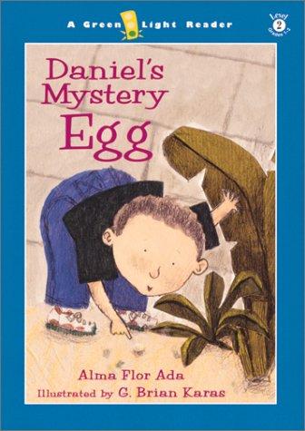 9780152162375: Daniel's Mystery Egg (Green Light Readers Level 2)