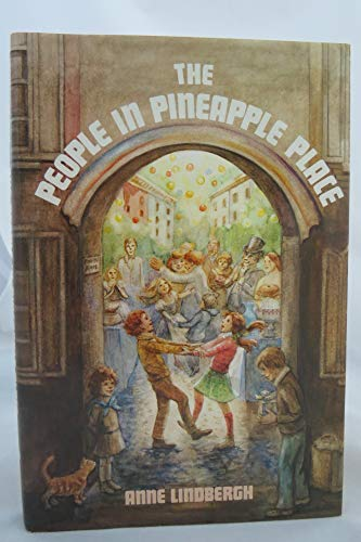 9780152605179: People of Pineapple Place