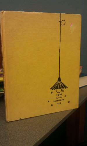 9780152724542: See and Say: A Picture Book in Four Languages