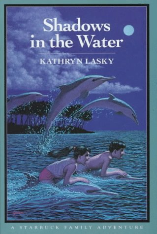 9780152735333: Shadows in the Water (Starbuck Family Adventures)