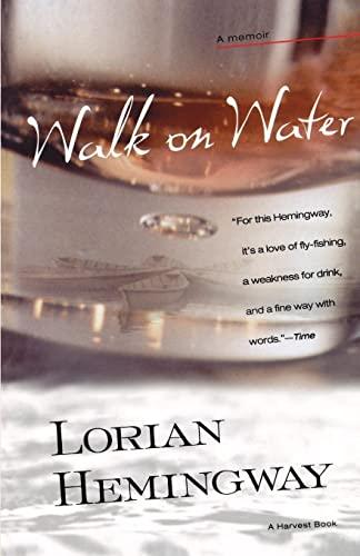 9780156007092: Walk on Water (Harvest Book)