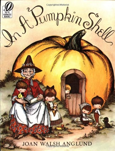 9780156444255: In a Pumpkin Shell: A Mother Goose ABC (Voyager Book; Avb 109)