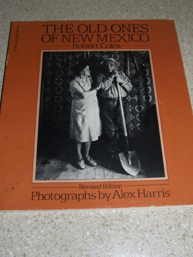 9780156685085: The old ones of New Mexico