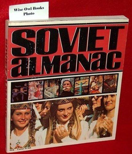 9780156839235: Soviet Almanac
