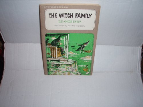 9780156976459: Witch Family