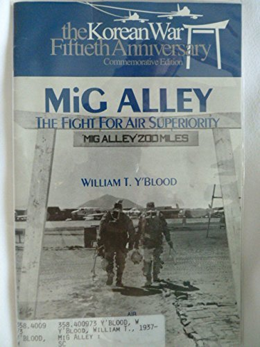 9780160503375: MIG Alley: The Fight for Air Superiority (008-070-00757-6)