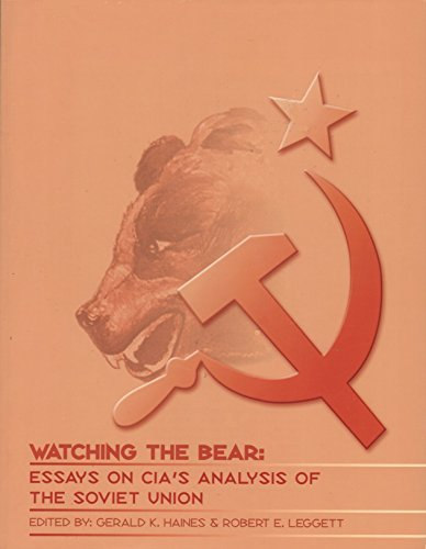 9780160679544: Watching the Bear: Essays on CIA's Analysis of the Soviet Union