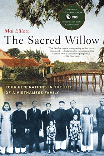 9780190614515: Sacred Willow: Four Generations in the Life of a Vietnamese Family
