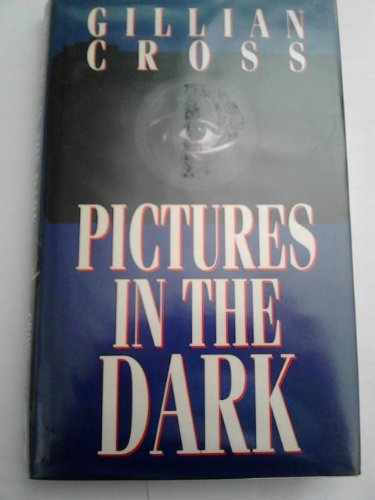 9780192716316: pictures in the dark