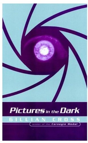 9780192719003: Pictures in the Dark