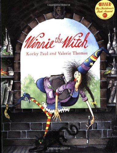 9780192721976: WINNIE THE WITCH