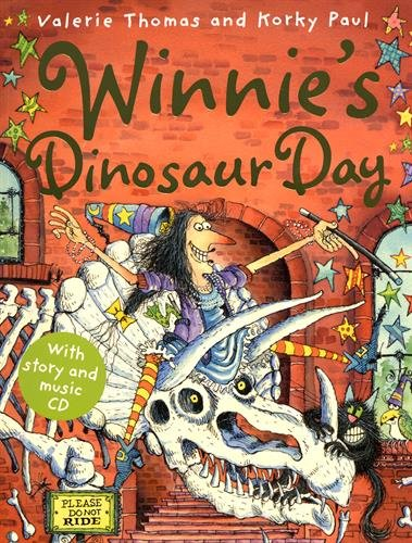 9780192794024: Winnie's Dinosaur Day (paperback and CD) (Winnie the Witch)