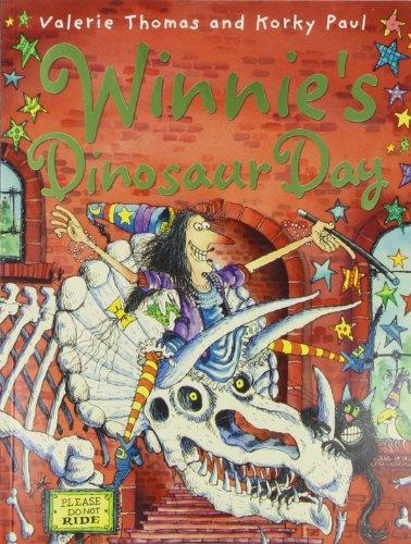 9780192794031: Winnie's Dinosaur Day (Winnie the Witch)