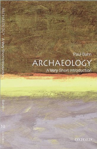 9780192853790: Archaeology: A Very Short Introduction
