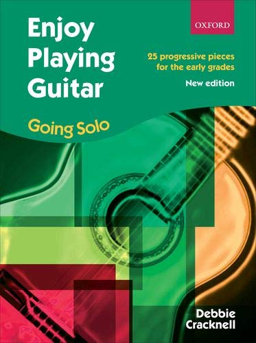 9780193386358: Enjoy Playing Guitar: Going Solo: 25 progressive pieces for the early grades