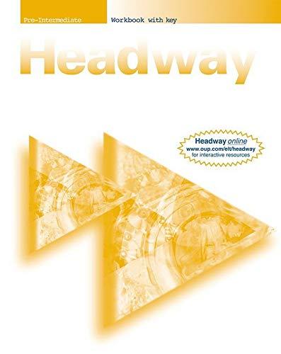 9780194366724: New Headway English Course Pre-intermediate Workbook with Key