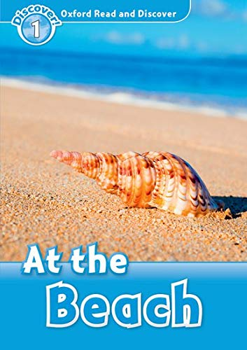 9780194646284: At the Beach (Oxford Read and Discover: Level 1)