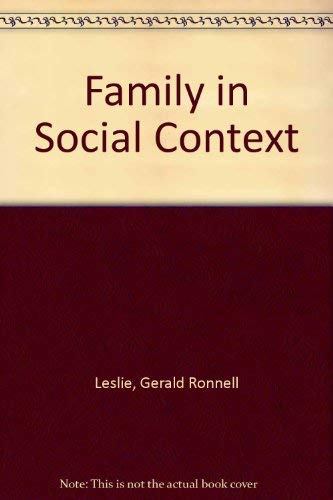 9780195015751: The Family in Social Context